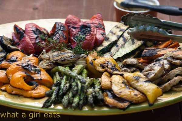If you like grilled vegetables, you will love this Grilled Vegetables Marinade with lemon and thyme! Paleo and Whole30 compliant! | WhatAGirlEats.com