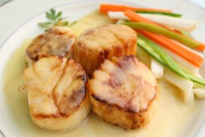 Pan Seared Scallops in Saffron Beurre Blanc. @whatagirleats.com
