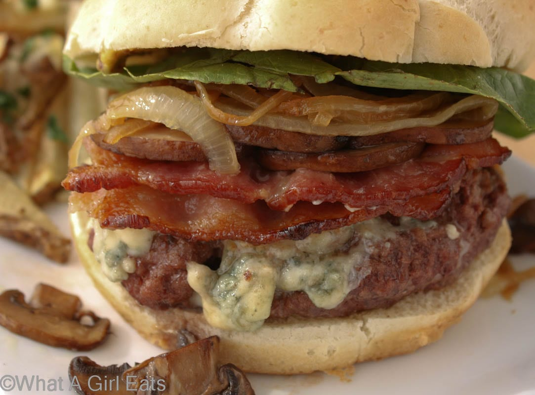 Applewood smoked bacon and bleu cheese burger with caramelized onions ...