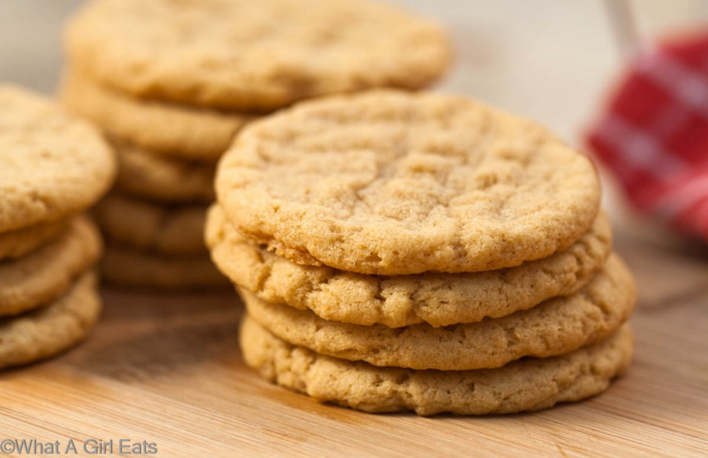 These awesome Gluten Free Peanut Butter Cookies (only 4 ingredients ...