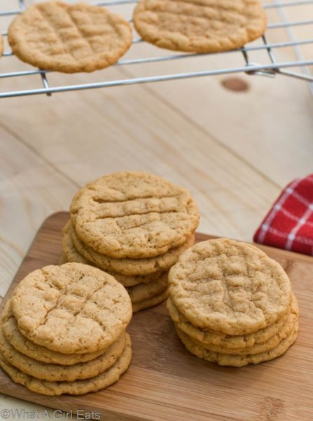 With just 4 ingredients, and no flour, these easy Peanut Butter Cookies are also gluten free!