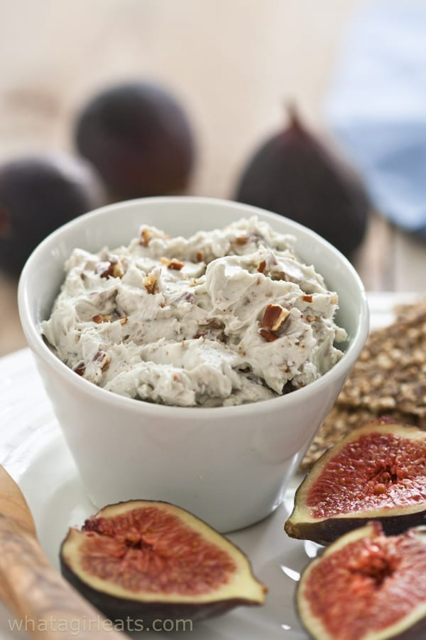 Blue cheese pecan dip