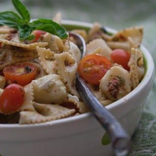 Sun-Dried Tomato and Pistachio Pesto Pasta