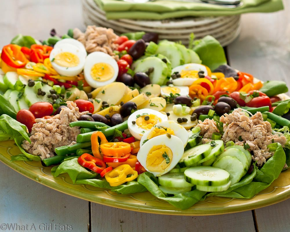 nicoise salad a classic composed salad salade ni oise what a girl eats. Black Bedroom Furniture Sets. Home Design Ideas