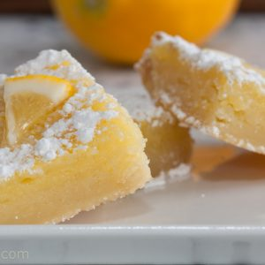 lemon bars close up